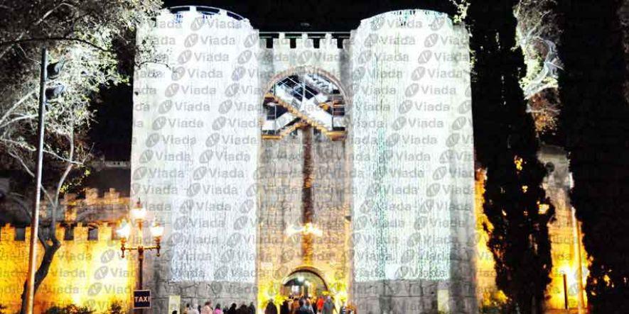 cortinas led cubriendo torres de castillo